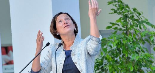 BM Johanna Mikl-Leitner (ÖVP) sucht händeringend nach Lösungen für die finanzielle Schieflage des Innenministeriums