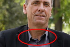 Erwin Rasinger (ÖVP) mit seinem peinlichen Mode-Faux pas von 2008, der ihn bis heute verfolgt