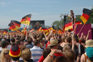 Fussball Public Viewing: Heute muss Johannes B. Kerner ganz ohne Alkohol ertragen werden